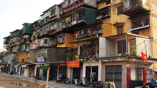 """Phải chăng việc cải tạo chung cư cũ tại Hà Nội đang mà """"miếng bánh ngon"""" đối với các nhà đầu tư bất động sản?"""