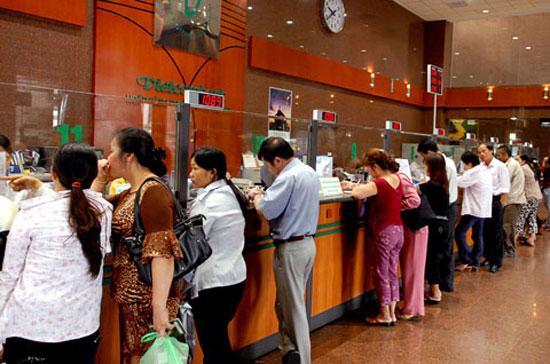 Đây là lần đầu tiên Vietcombank điều chỉnh biểu lãi suất niêm yết sau hơn một tháng qua.