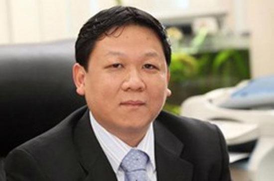 Theo giới thiệu của SME, ông Phan Huy Chí là thạc sỹ chuyên ngành Luật Kinh tế, Giám đốc Trung tâm Trợ giúp pháp lý - Hiệp hội Doanh nghiệp nhỏ và vừa Việt Nam.