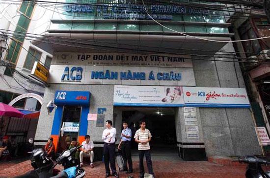 Tòa nhà 57B Phan Chu Trinh (quận Hoàn Kiếm, Hà Nội) theo giấy phép kinh doanh là nơi đặt văn phòng của Công ty Cổ phần Đầu tư ACB Hà Nội và Công ty TNHH Đầu tư tài chính Á Châu - Ảnh: Nguyễn Khánh.