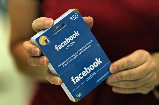 Chỉ cần thu 1 USD/tháng, với 955 triệu người dùng tích cực mỗi tháng và hàng triệu tài khoản khác ít tích cực hơn, Facebook đã có thể thu về khoảng 1 tỉ USD/tháng.