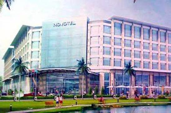 Mô hình Novotel Hanoi on the Park tại 295 Lê Duẩn, Hà Nội. Dự án này đã phải dừng lại từ tháng 4/2009.