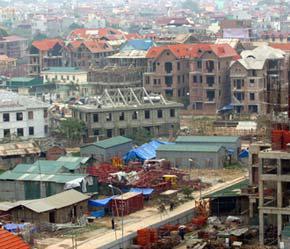 Luật Kinh doanh bất động sản đã có hiệu lực từ 1/1 nhưng đến nay chưa có hướng dẫn - Ảnh: Việt Tuấn.