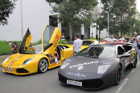 """Hành trình siêu xe Việt Nam do một số thành viên sở hữu những chiếc xe hạng """"khủng"""" tại Hà Nội và Tp.HCM khởi xướng - Ảnh: Minh Nghi."""