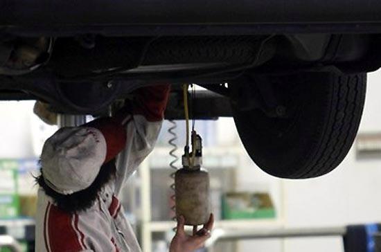 Khả năng có lỗi trong hệ thống điện tử của xe Toyota đang được các cơ quan chức năng của Mỹ đặc biệt chú ý - Ảnh: Reuters.