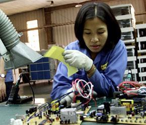 Việt Nam đang là điểm đến hấp dẫn của các dự án FDI lớn.