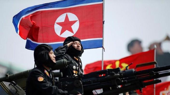 Binh sỹ Triều Tiên trong cuộc duyệt binh kỷ niệm 105 năm ngày sinh lãnh tụ Kim Nhật Thành ở Bình Nhưỡng, tháng 4/2017 - Ảnh: Reuters.