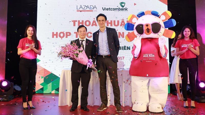 Người tiêu dùng ở Việt Nam sẽ có thêm nhiều lựa chọn thanh toán cho giao dịch mua hàng xuyên biên giới, bằng cả thẻ tín dụng và thanh toán khi nhận hàng (COD).