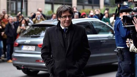 Ông Carles Puigdemong, thủ lĩnh ly khai của Catalonia - Ảnh: Reuters/CNBC.