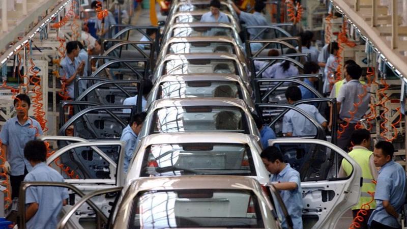 Bên trong một nhà máy sản xuất xe Ford ở Trung Quốc - Ảnh: Reuters/SCMP.