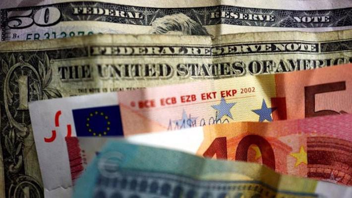 Đồng USD tăng giá mạnh so với các đồng tiền chủ chốt khác trong tuần này - Ảnh: Reuters.