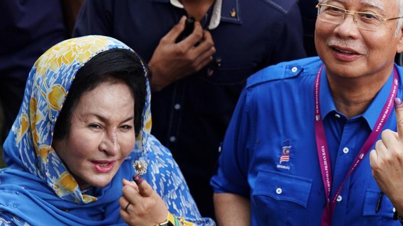 Vợ chồng cựu Thủ tướng Malaysia Najib Razak - Ảnh: Reuters/SCMP.