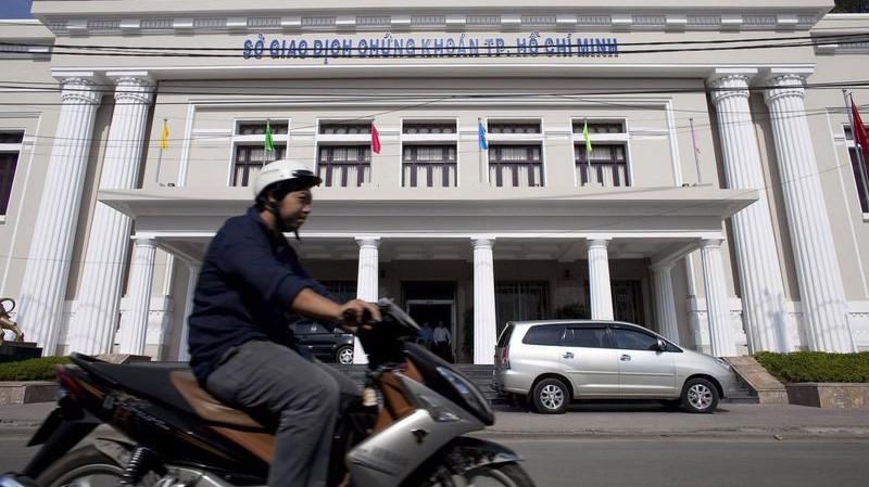 Một số nhà đầu tư xem đợt giảm này của chứng khoán Việt Nam là một sự điều chỉnh cần thiết sau 5 quý liền liên tục tăng của VN-Index - Ảnh: Bloomberg.