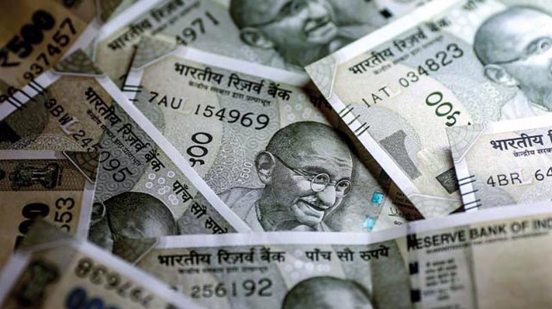 Từ đầu năm đến nay, đồng Rupee đã mất giá 4,6% so với USD, trở thành đồng tiền mất giá mạnh nhất ở khu vực châu Á.