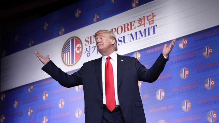 Tổng thống Mỹ Donald Trump trả lời câu hỏi cuối cùng tại cuộc họp báo sau thượng đỉnh Mỹ-Triều ở Singapore hôm 12/6 - Ảnh: Getty.
