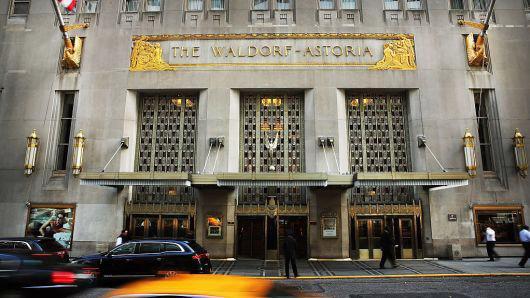 Khách sạn Waldorf Astoria ở New York được hãng bảo hiểm Trung Quốc Anbang mua lại vào năm 2015 - Ảnh: Getty/CNBC.
