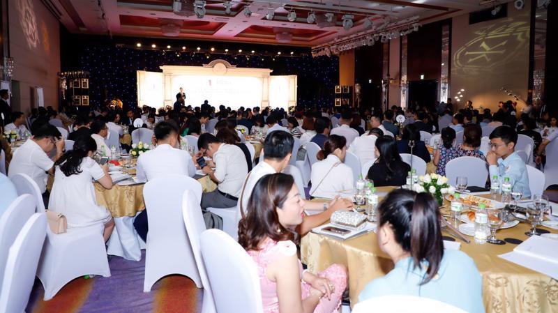 Sự kiện ra mắt và mở bán của King Palace nhận được sự quan tâm của đông đảo khách hàng.