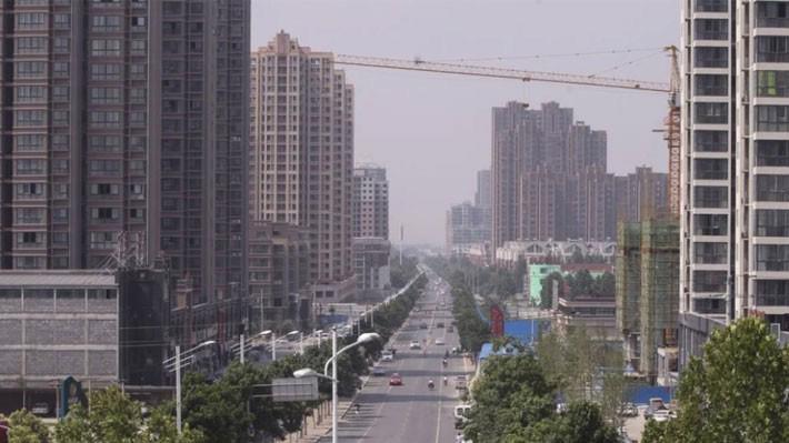 Số liệu chính thức do Bộ Tài chính Trung Quốc công bố cho thấy các chính quyền địa phương nước này nợ tổng cộng 17,7 nghìn tỷ Nhân dân tệ, tương đương 2,5 nghìn tỷ USD vào thời điểm cuối tháng 8 - Ảnh: SCMP.