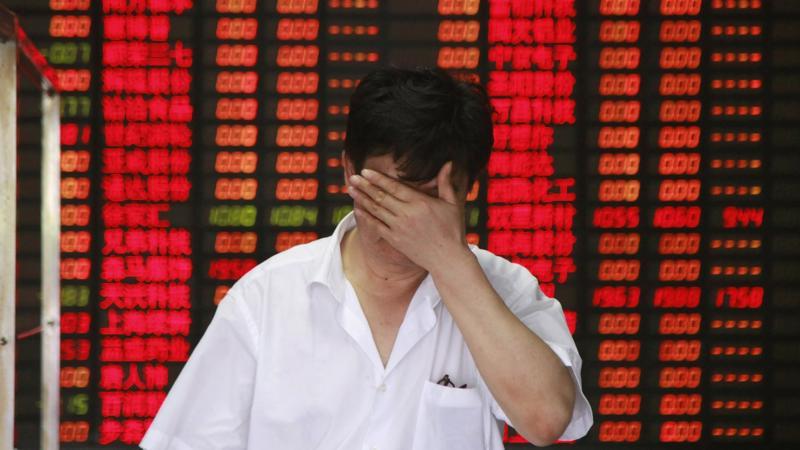 """Đến nay, Bắc Kinh vẫn chưa có động thái nào để """"giải cứu"""" thị trường chứng khoán như đã làm trong đợt sụt giảm hồi năm 2015 - Ảnh: Getty."""