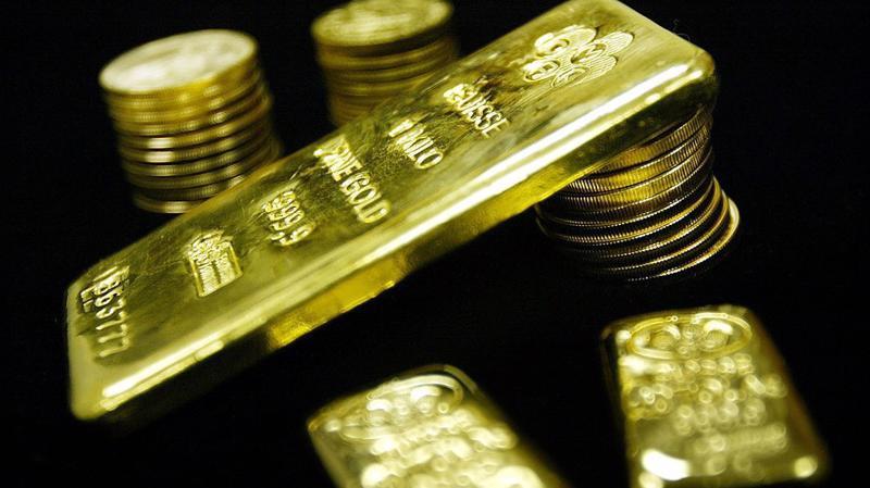 Nhiều nhà đầu tư quốc tế đang mua vàng để phòng ngừa rủi ro khi chứng khoán thế giới liên tiếp giảm - Ảnh: Getty/MarketWatch.