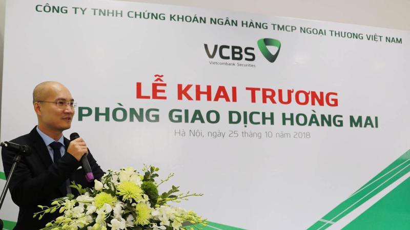 Ông Trần Việt Hưng - Phó giám đốc VCBS phát biểu tại lễ khai trương.