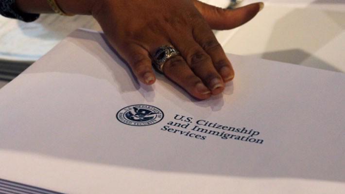 """Hiến pháp Mỹ quy định cấp quốc tich cho """"tất cả những người sinh ra hoặc nhập tịch"""" tại nước này - Ảnh: Reuters."""