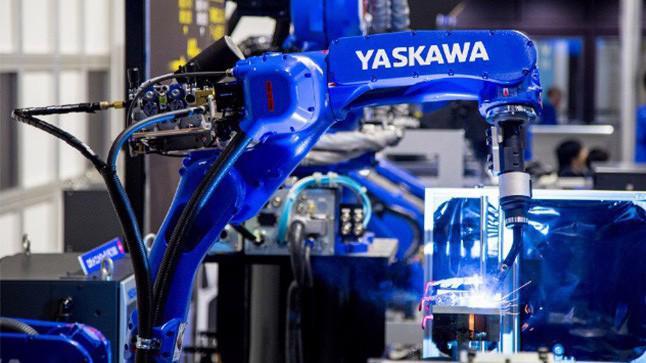 Một robot công nghiệp do Yaskawa sản xuất.