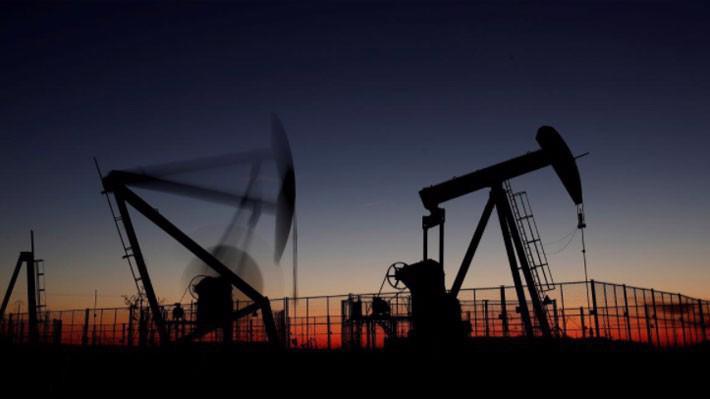 Đợt giảm giá gần đây của dầu thô dã khiến các quỹ đầu tư dầu lửa lỗ nặng - Ảnh: Reuters.