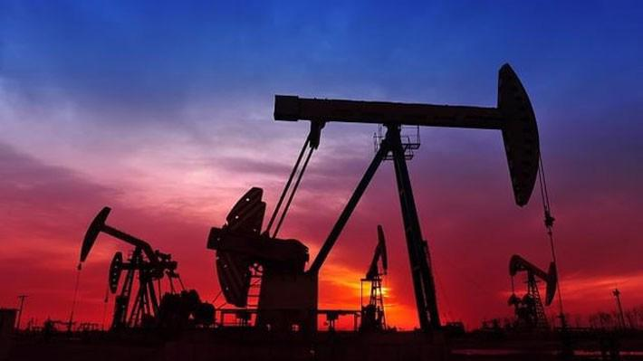 Gần đây, giá dầu theo khá sát các diễn biến của chứng khoán Mỹ.