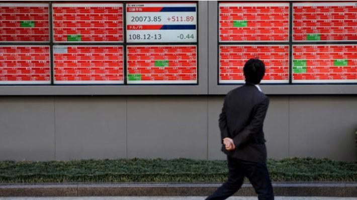 Thông tin về gói giảm thuế mới của Trung Quốc đã giúp chứng khoán châu Á tăng điểm phiên ngày 15/1 - Ảnh: Reuters.