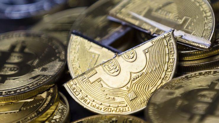 """Thị trường tiền ảo đã trải qua những biến động lớn trong 2018, với hơn 480 tỷ USD vốn hóa bị """"thổi bay"""" - Ảnh: Getty/CNBC."""