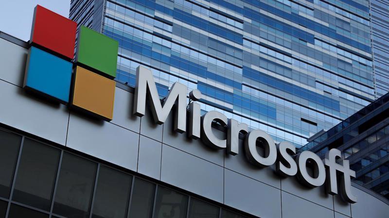 Nếu tính từ đầu năm, cổ phiếu Microsoft đã tăng 23% - Ảnh: Reuters.