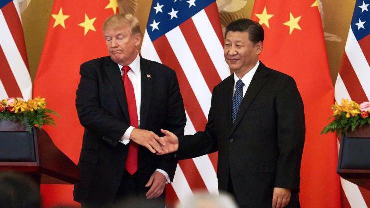 Tổng thống Mỹ Donald Trump (trái) và Chủ tịch Trung Quốc Tập Cận Bình trong chuyến thăm Bắc Kinh của ông Trump tháng 11/2017- Ảnh: Getty/CNBC.
