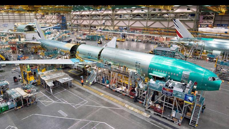 Bên trong một nhà máy sản xuất máy bay của Boeing.
