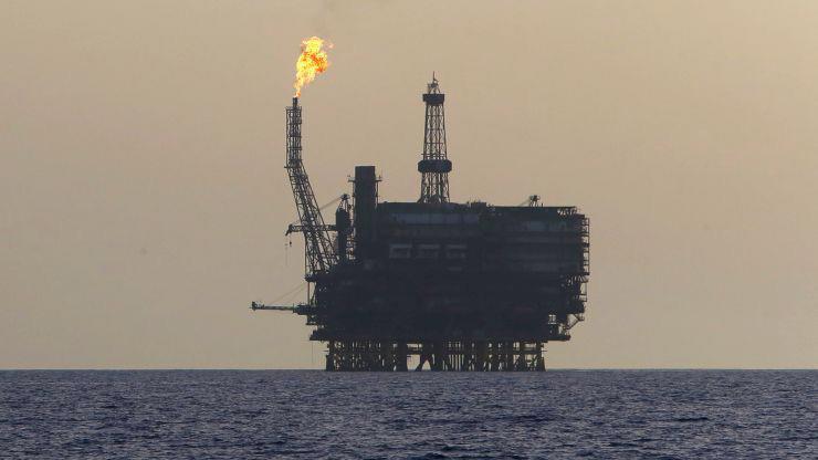 Một giàn khoan dầu ngoài khơi Libya - Ảnh: Reuters/CNBC.