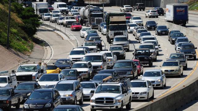 California là một tiểu bang Mỹ đối mặt nhiều sức ép về giao thông