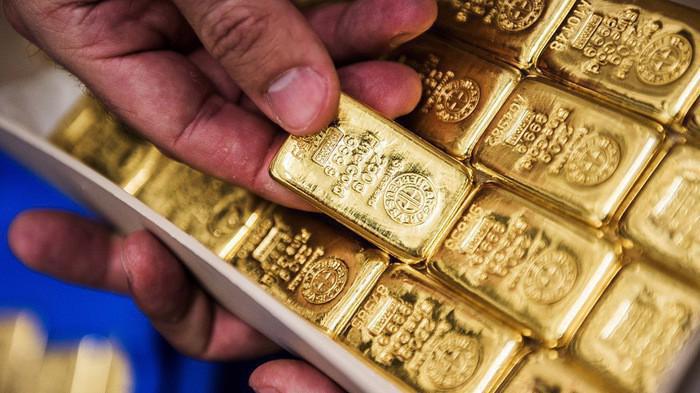 Hiện giá vàng thế giới đang ở vùng đáy của 2 tuần - Ảnh: Reuters.