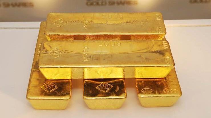 So với đỉnh giá từ đầu năm thiết lập hồi tháng 2, giá vàng hiện giảm 5% - Ảnh: Getty/CNBC.