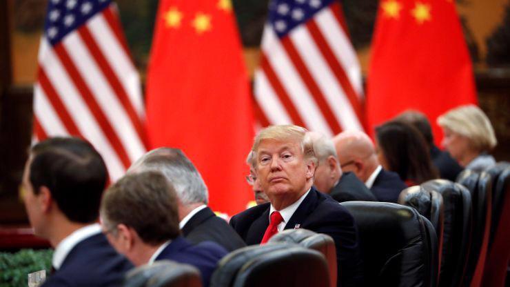 Tổng thống Mỹ Donald Trump tại Bắc Kinh, Trung Quốc, tháng 11/2017 - Ảnh: Reuters/CNBC.