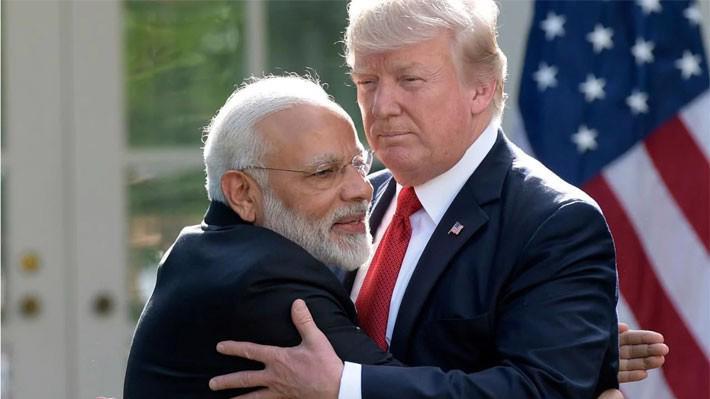 Thủ tướng Ấn Độ Narendra Modi (trái) và Tổng thống Donald Trump trong một lần gặp - Ảnh: Telegraph.