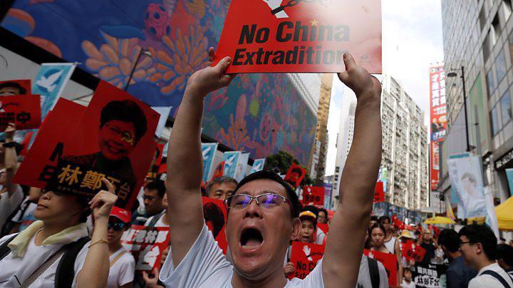 Người Hồng Kông biểu tình phản đối dự luật dẫn độ.