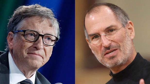 Bill Gates (trái) và Steve Jobs.