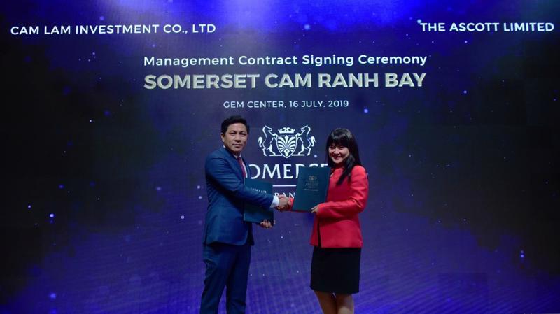 Ông Trần Trọng Dũng, Tổng giám đốc Công Ty TNHH Đầu Tư Cam Lâm, chủ đầu tư dự án Cam Ranh Bay và bà Lew Yen Ping, Tổng quản lý của Ascott Việt Nam.