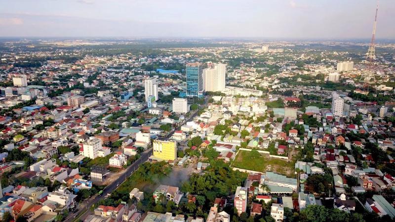 Là trung tâm giao thương của các thành phố lớn, quy mỗ dân số lớn, Dĩ An hội tụ đầy đủ yếu tố để phát triển nhà phố thương mại.