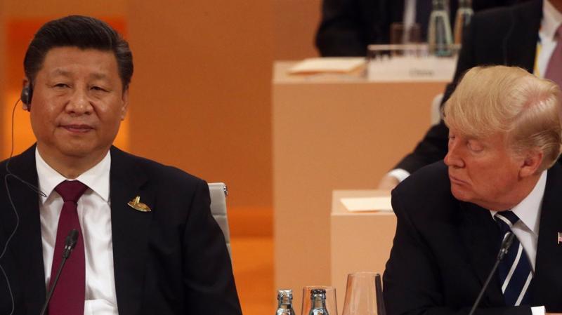 Chủ tịch Trung Quốc Tập Cận Bình (trái) và Tổng thống Mỹ Donald Trump tại thượng đỉnh G20 ở Hamburg, Đức, tháng 7/2017 - Ảnh: Getty.