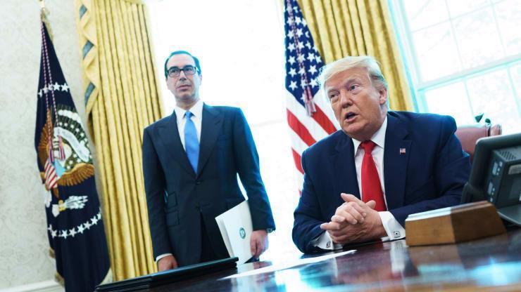 Bộ trưởng Bộ Tài chính Mỹ Steven Mnuchin (trái) và Tổng thống Mỹ Donald Trump - Ảnh: Getty/CNBC.