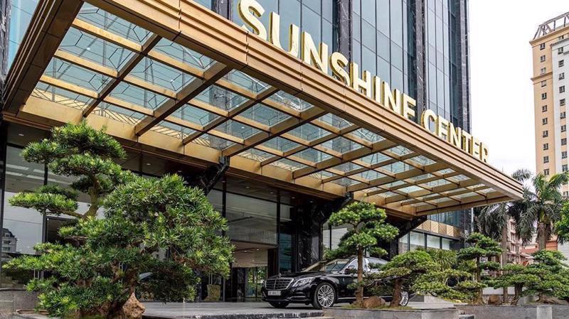 Sunshine Center có vị trí mặt đường lớn, thuận tiện giao thông và những tiện ích ngoại khu cao cấp.