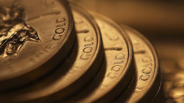 Từ đầu năm đến nay, giá vàng thế giới đã tăng khoảng 16% nhờ lập trường chính sách mềm mỏng trở nên mềm mỏng của FED - Ảnh: Bloomberg/CNBC.
