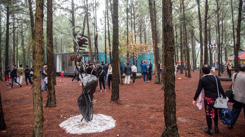 Art In The Forest năm thứ 5, đánh dấu nửa chặng đường hiện thực hóa mong muốn biến nơi đây trở thành điểm hẹn văn hóa- nghệ thuật đặc sắc của những người yêu cái đẹp.
