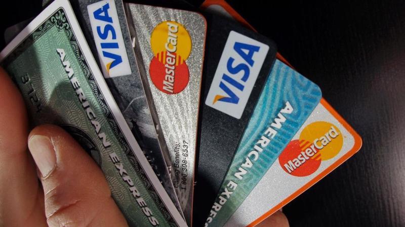 Lãi suất thẻ tín dụng ở Mỹ gần đây đã chạm mức 17%, cao nhất trong ít nhất 25 trở lại đây.